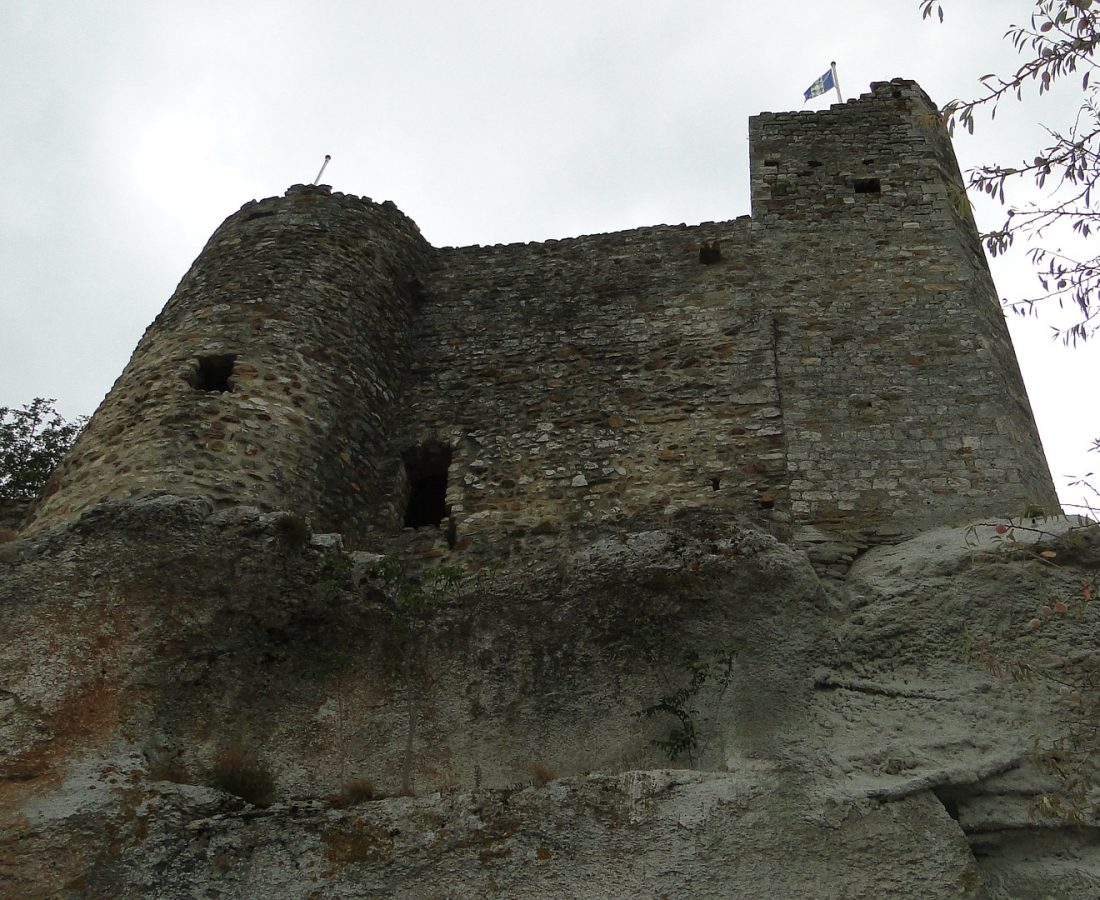 strong-castle-2659140_1920